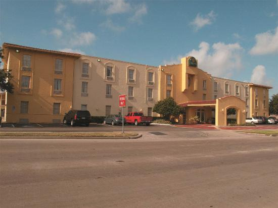 Photo of La Quinta Inn Houston Greenway Plaza
