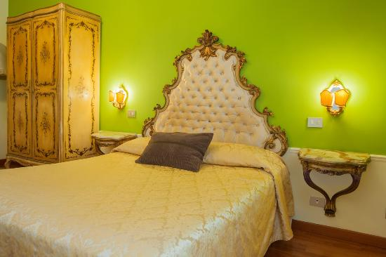 Photo of Sotto La Cupola Guest House Rome