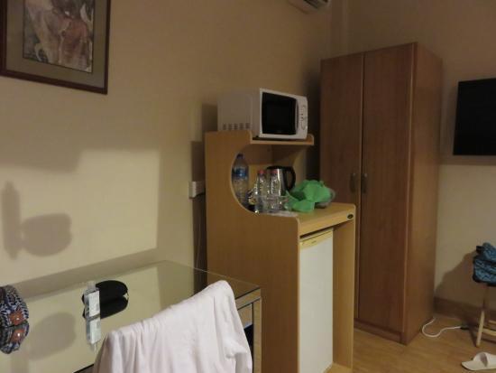 Tropical Enclave Hotel : bedroom