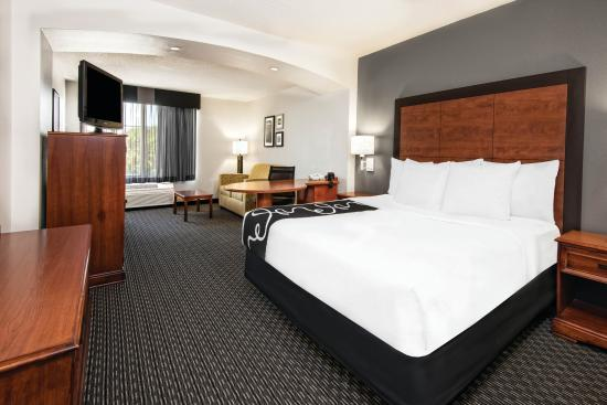 Irving, TX: Guest room