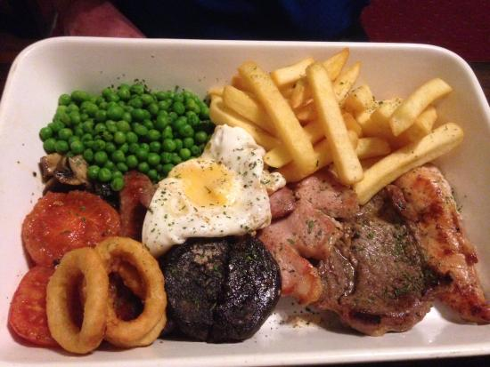 The Bridge Inn: Mixed grill