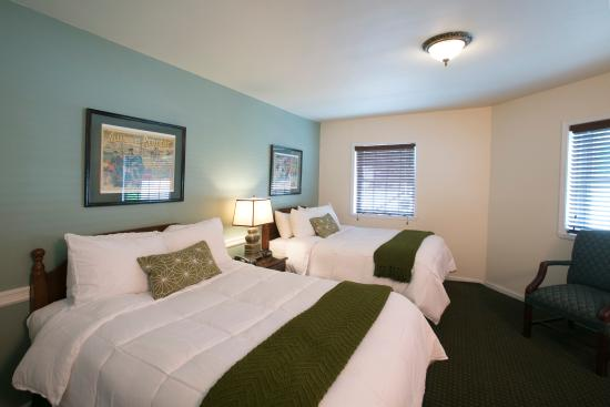 Whitman Motor Lodge : Apartment Bedroom