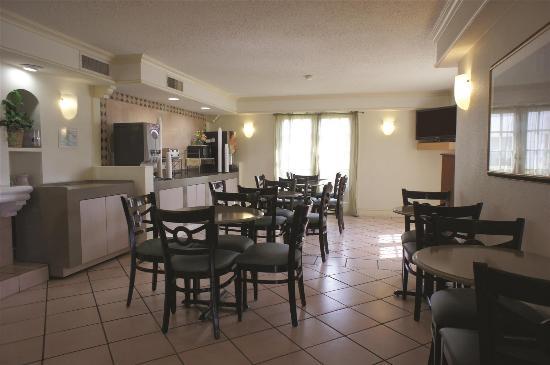 La Quinta Inn Austin University Area: Lobby view