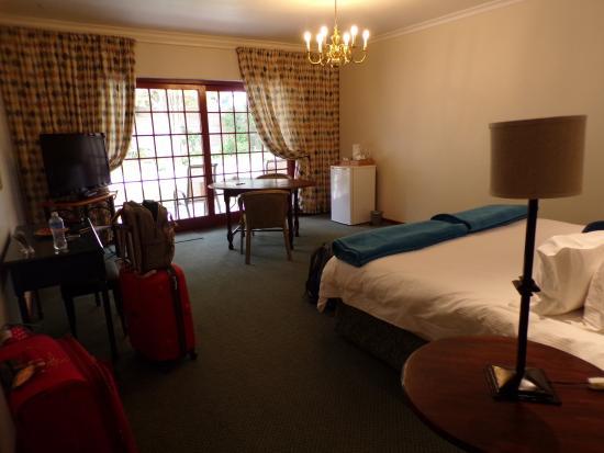 Milkwood Lodge: huge room