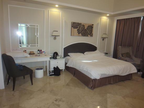 Ascott Jakarta: Master bedroom