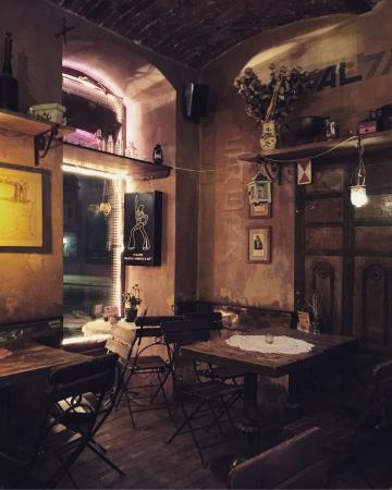 Ulica Krokodyli Pub Kawiarnia