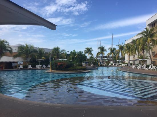 Hotel Aqua-Vi Suites & Marina: Piscina