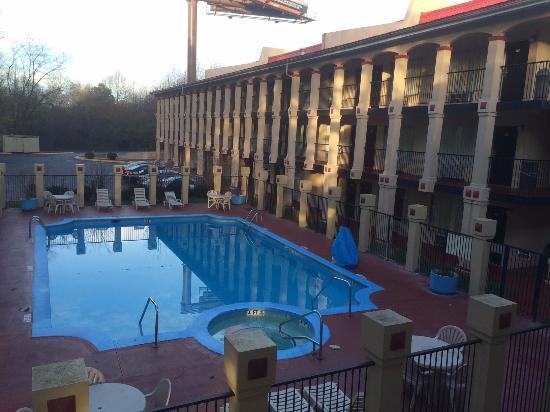 piscina picture of super 8 by wyndham college park atlanta airport rh tripadvisor co za