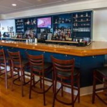 Clinton, CT: Inside Bar