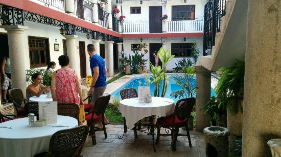 hotel colonial la aurora: IMG_20151214_083225_large.jpg
