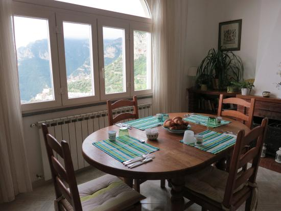 B&B Mamma Rosa Positano: Another view of main dining area