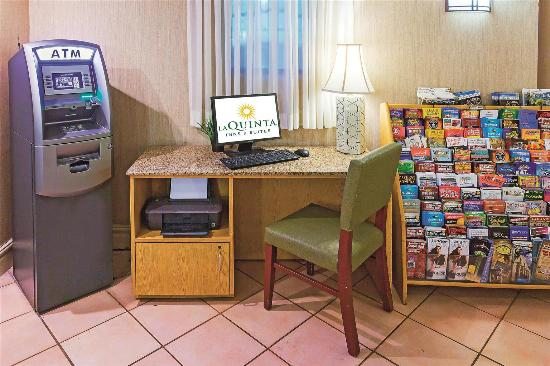 La Quinta Inn San Antonio Sea World Ingram Park: Business center