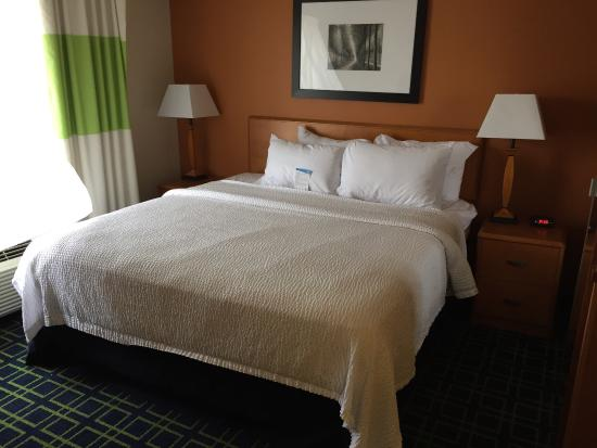 Fairfield Inn & Suites Elizabethtown: photo0.jpg