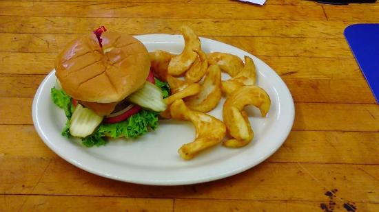 Bee Branch, AR: Enjoy our Angus Burger and Sidewinder Fries!