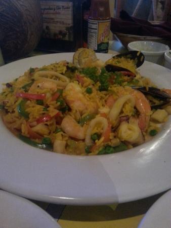 El Oasis Mariscos: seafood paella