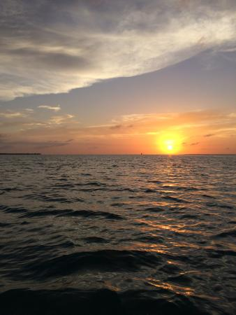 Jeremiah's Inn: Sunset on the ferry leaving Caye Caulker
