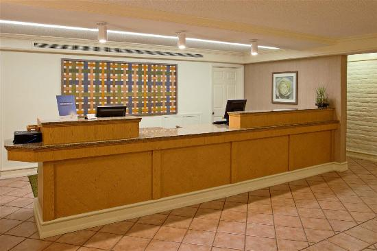 La Quinta Inn San Diego Chula Vista: Lobby view