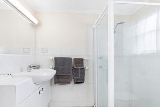 Acacia Ridge, Australia: Standard Bathroom