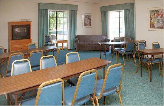 La Quinta Inn Tampa Bay Pinellas Park Clearwater: Meeting room