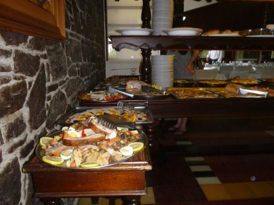El Mirador Hotel and Spa: Servicio buffet del almuerzo
