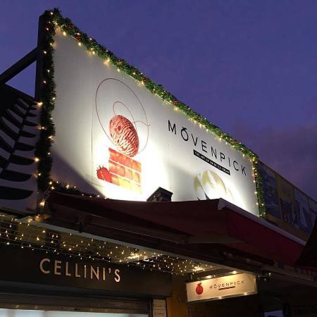 Cellini's Ice Cream and Espresso: Cellini's at Christmas