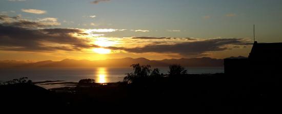 Fraser Highlands Retreat: sunrise