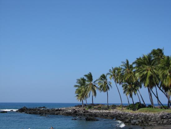 Honomalino Bay