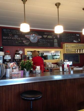 Hilltop Diner Cafe: photo2.jpg