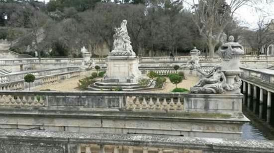 magnifique jardin picture of jardins de la fontaine nimes tripadvisor. Black Bedroom Furniture Sets. Home Design Ideas