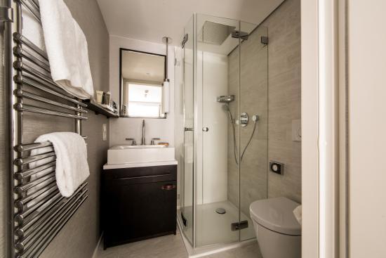 Hotel Alpenhof: Badezimmer Design Einzelzimmer
