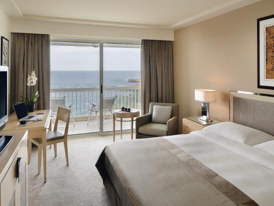 Mövenpick Hotel Beirut: Classic King Size Room