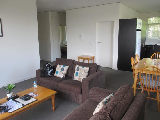 Park Avenue Accommodation Apartments @ Kew: Living Room