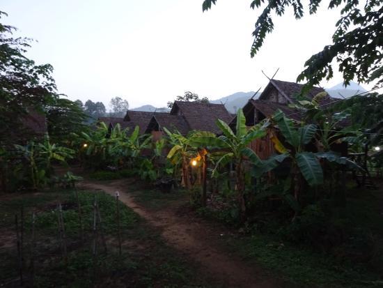 Family Hut Pai: Night