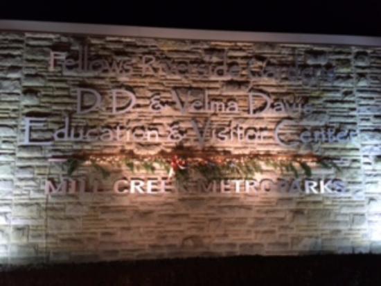 Fellows Riverside Gardens: Entrance to the Gardens