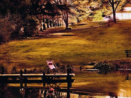Blackheath, ออสเตรเลีย: By the pond