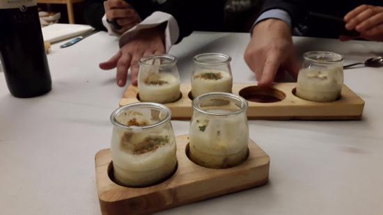 Restaurante y Casa de Marinos UribeKosta: Danone de Morcilla (Crema de morcilla con espuma de ¿patata?)