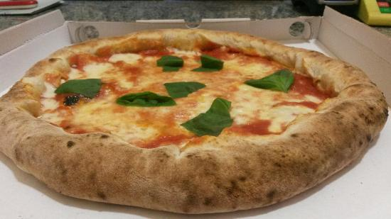 Divina Margherita Pizza
