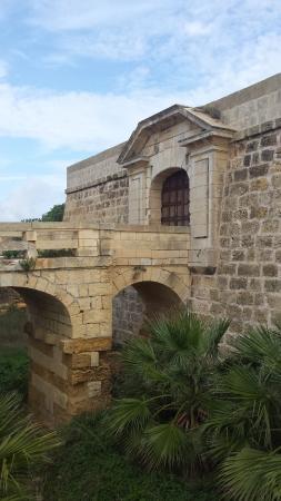 Ghajnsielem, Malta: The old entrance.