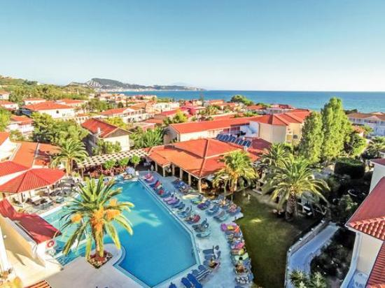 Diana Palace Hotel: swimming pool view