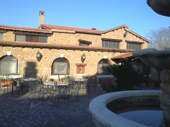 L 39 esterno del ristorante la quiete foto di villa for L esterno del ristorante sinonimo