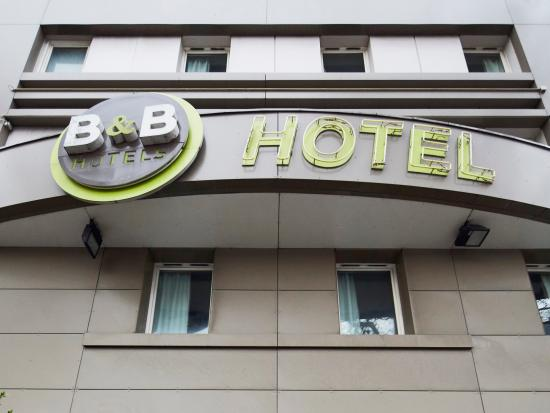 fa ade picture of b b hotel paris porte de la villette paris tripadvisor. Black Bedroom Furniture Sets. Home Design Ideas