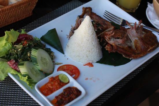 Puri Santrian Beach Club Bar & Restaurant : утка