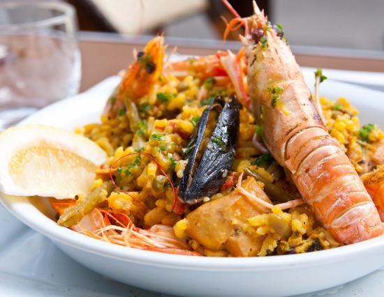 La Trainera: Паэлья с морепродуктами.