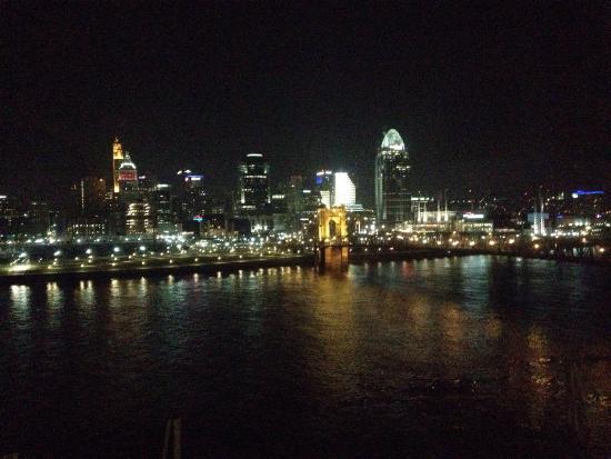 Window View - Embassy Suites Cincinnati Rivercenter Photo