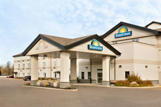 Welcome to Days Inn Thunder Bay North