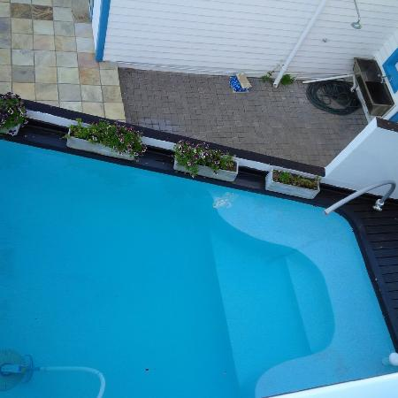 Point Village Guesthouse & Holiday Cottages: Pool on the ground level