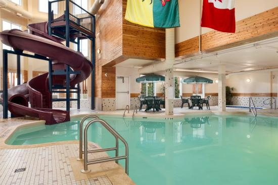 Indoor pool with waterslide  Indoor Pool and Waterslide - Picture of Days Inn - Saskatoon ...