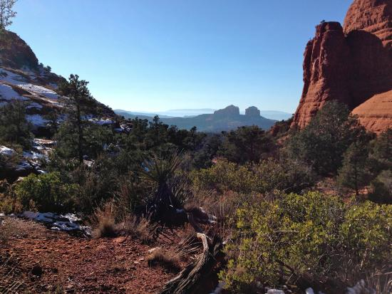 Little Horse Trail: Buttes on the Western horizon