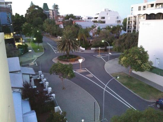 Wyndham Outram Perth: View towards Kings Road Park
