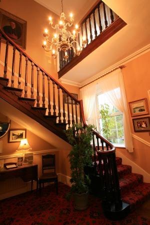 Ross Lake House Hotel : Ross Lake House staircase